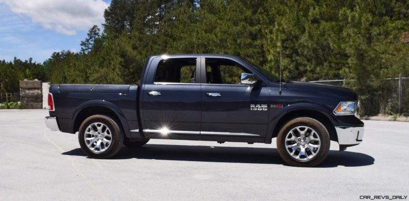 2016 RAM 1500 LIMITED EcoDiesel BLACK 13
