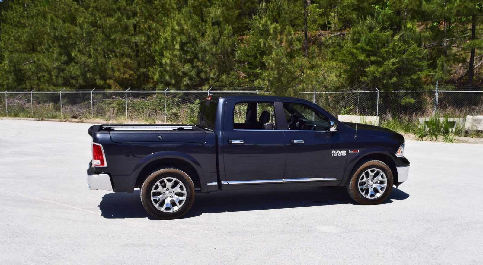 first drive 2016 ram 1500 limited ecodiesel video walkaround and 70 pics. Black Bedroom Furniture Sets. Home Design Ideas