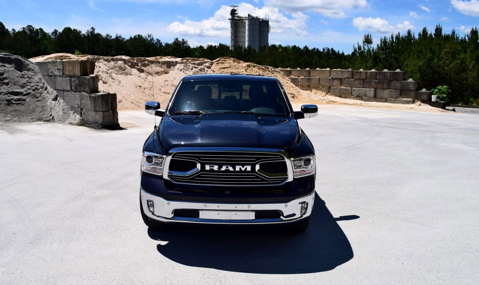 2016 RAM 1500 LIMITED EcoDiesel BLACK 4