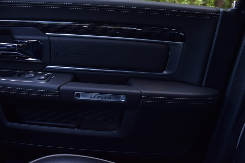 2016 RAM Limited Interior Black 8