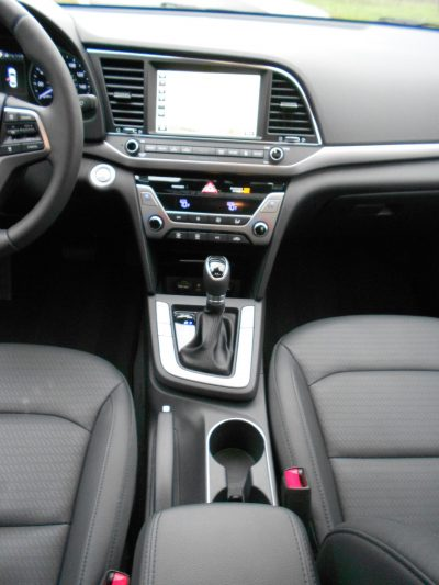 2017 Hyundai ELANTRA Limited 13