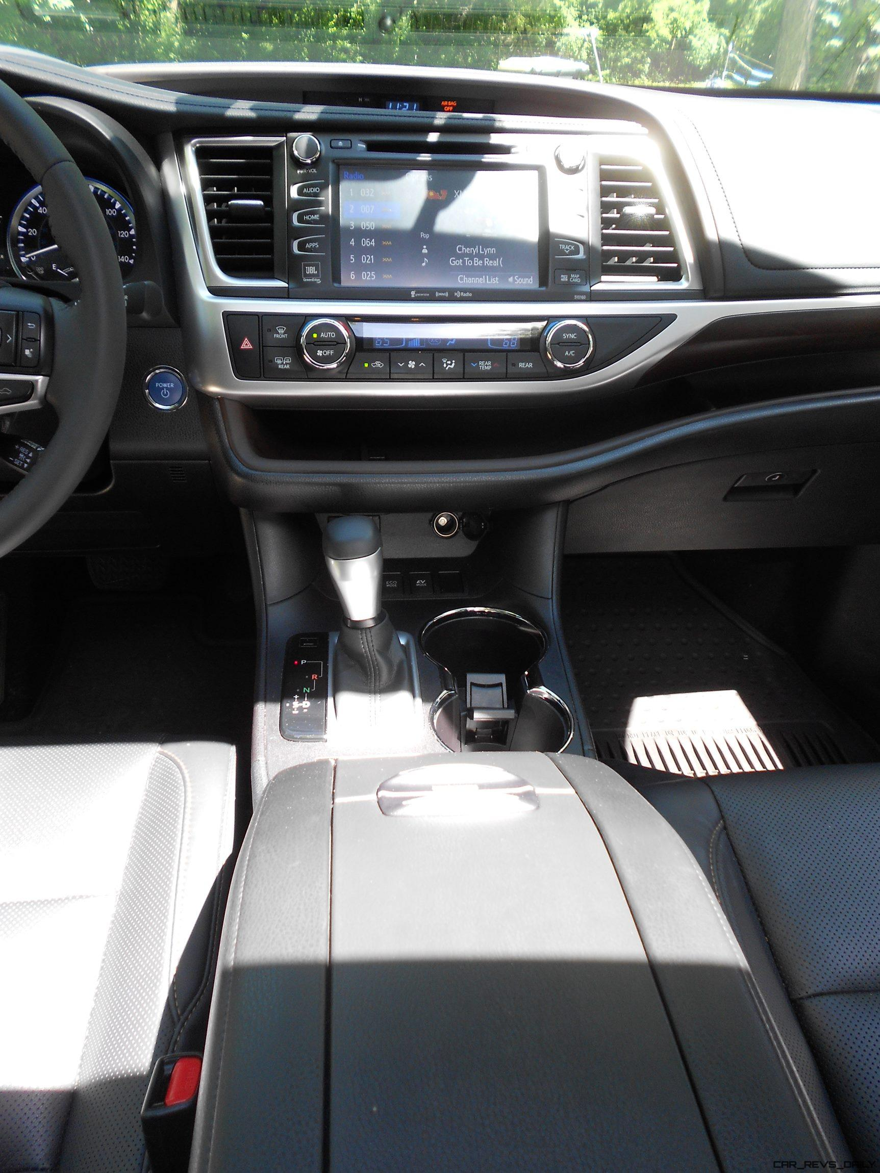 2016 Highlander Hybrid Interior 11