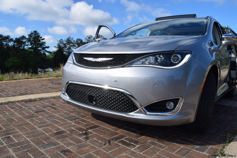 2017 Chrysler PACIFICA Limited- EXTERIOR 30