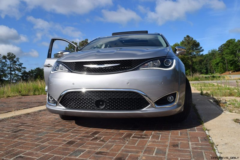 2017 Chrysler PACIFICA Limited- EXTERIOR 32