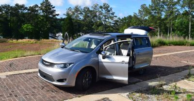 2017 Chrysler PACIFICA Limited- EXTERIOR 39