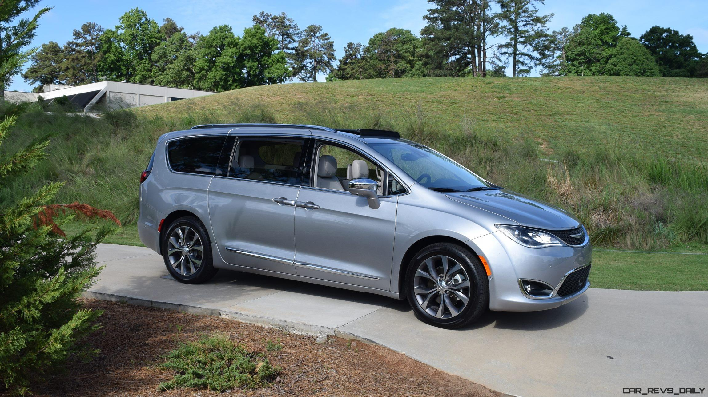 2017 chrysler pacifica limited first drive video review 78 photos. Black Bedroom Furniture Sets. Home Design Ideas