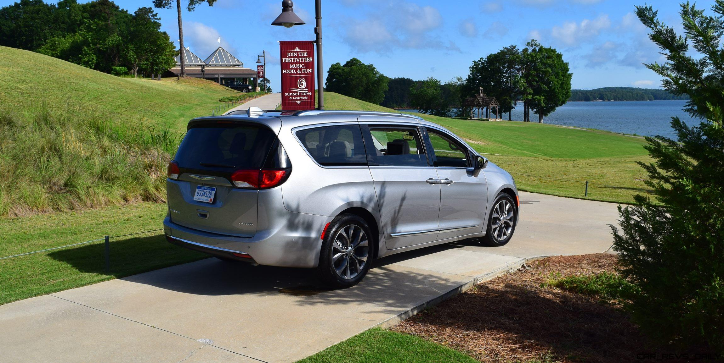 2017 chrysler pacifica touring road test review by tim. Black Bedroom Furniture Sets. Home Design Ideas