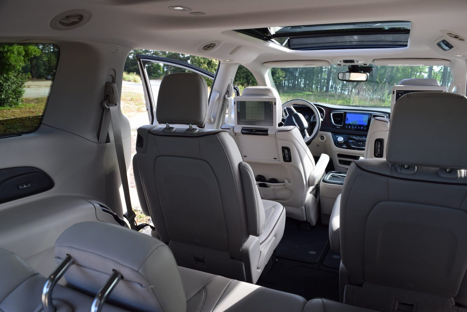 2017 Chrysler Pacifica Limited Interior Pictures To Pin On