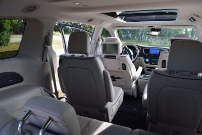 2017 Chrysler PACIFICA Limited- Interior 10