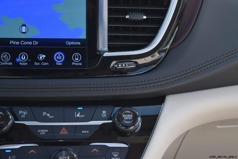 2017 Chrysler PACIFICA Limited- Interior 16