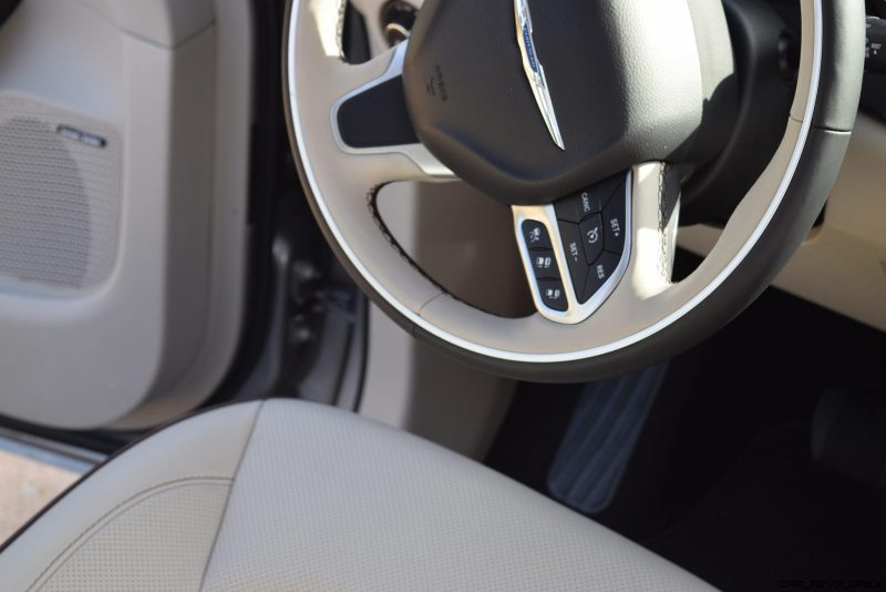 2017 Chrysler PACIFICA Limited- Interior 18
