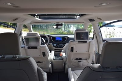 2017 Chrysler PACIFICA Limited- Interior 9