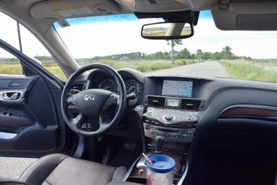 2016 INFINITI Q70L Interior 12