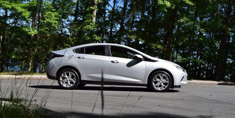 2017 Chevrolet VOLT Premier 1