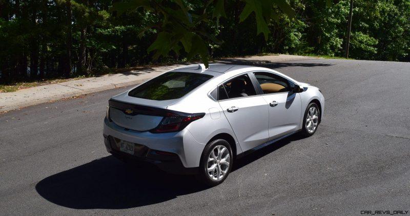 2017 Chevrolet VOLT Premier 32