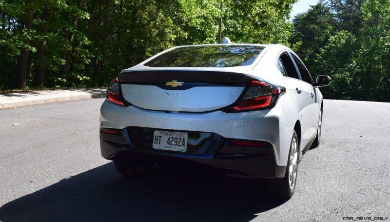 2017 Chevrolet VOLT Premier 34