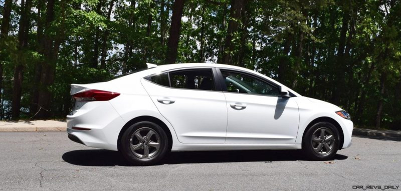 2017 Hyundai ELANTRA ECO - HD Drive Video Review 16