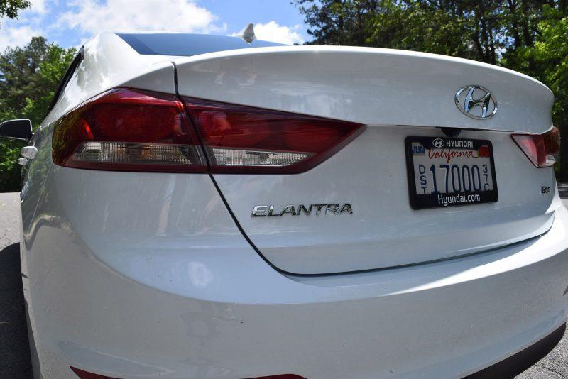 2017 Hyundai ELANTRA ECO - HD Drive Video Review 18