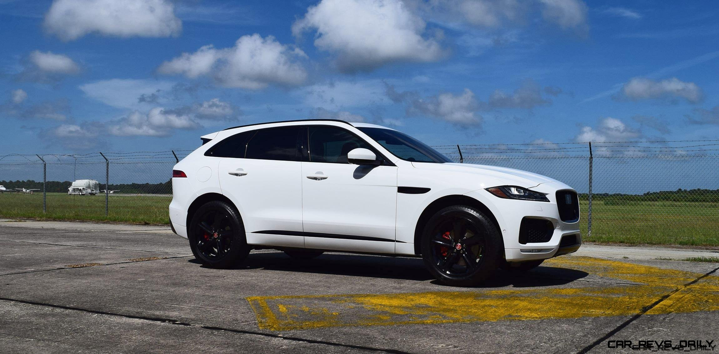 2017 Jaguar F-Pace S - White Exterior 109