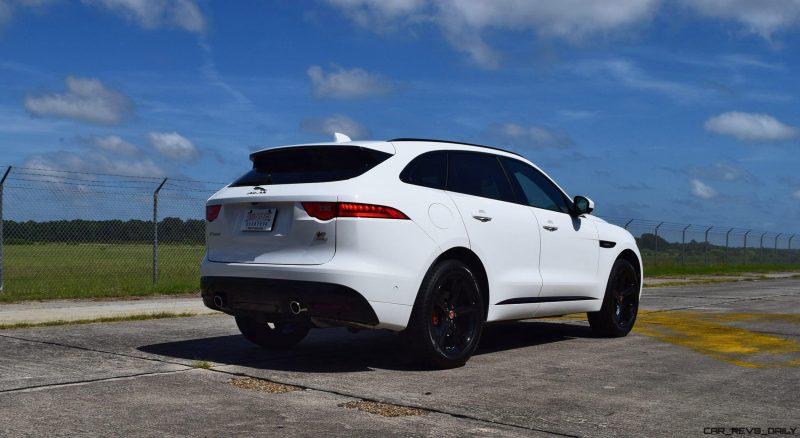 2017 Jaguar F-Pace S - White Exterior 114