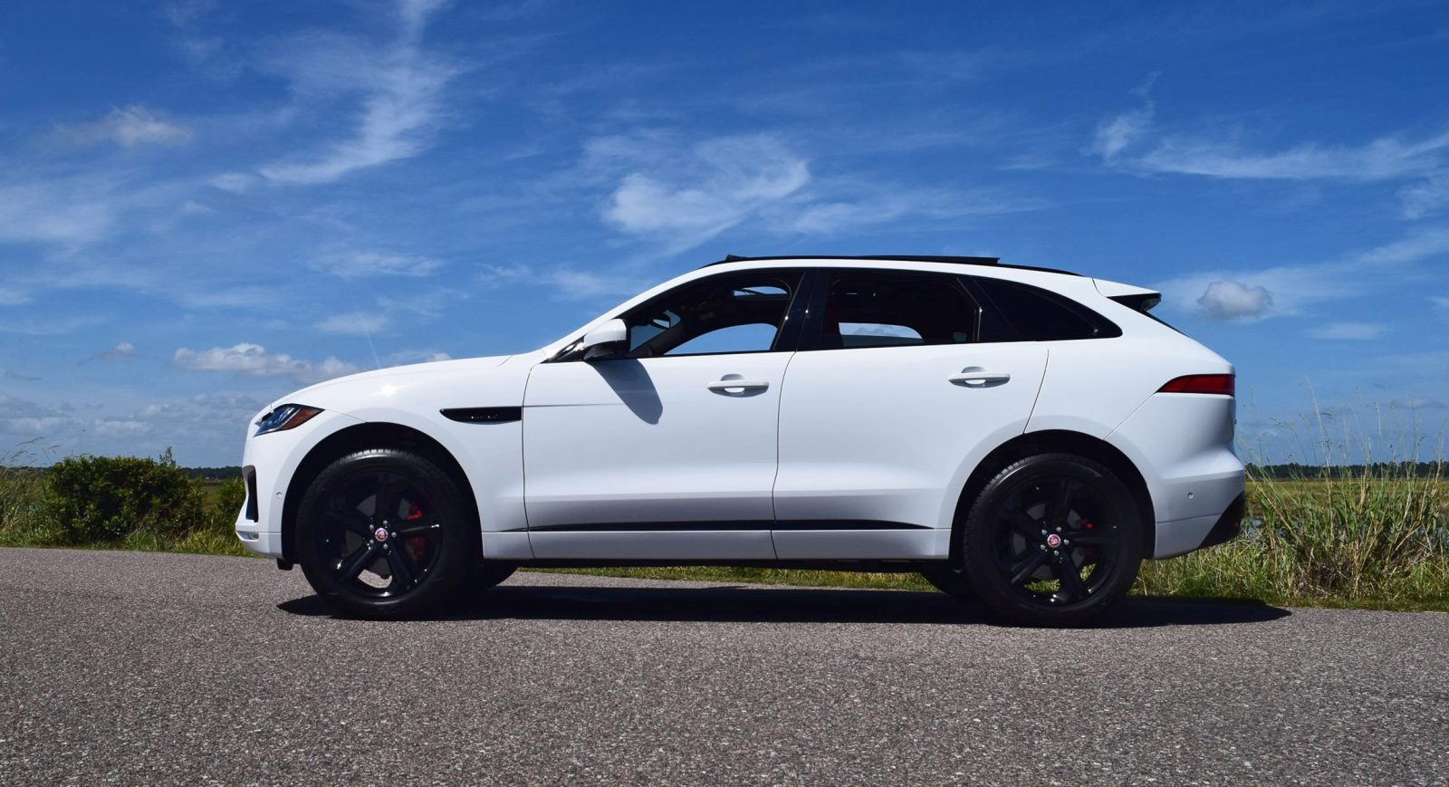 2017 Jaguar F Pace Accessories >> 2017 Jaguar F-Pace S - White Exterior 34