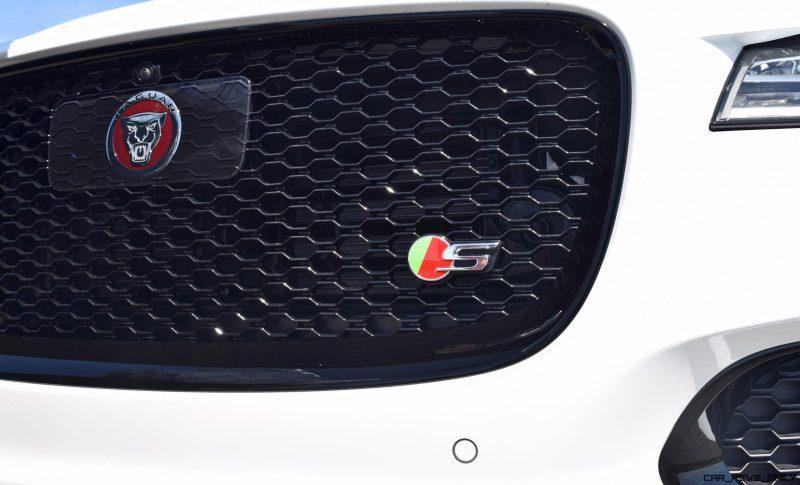 2017 Jaguar F-Pace S - White Exterior  55