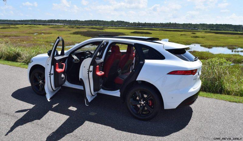 2017 Jaguar F-Pace S - White Exterior  91