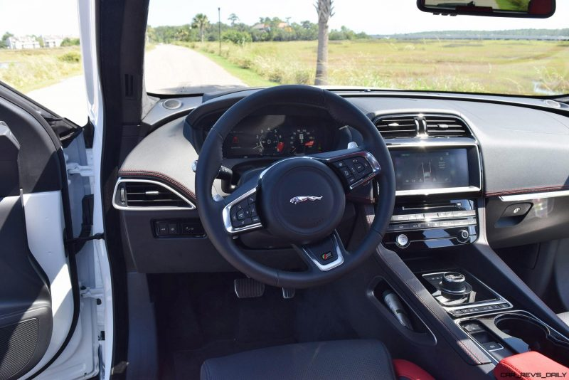 2017 Jaguar F-Pace S - White Exterior 95