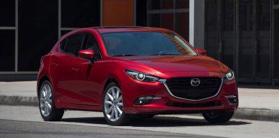 2017_Mazda3_10_rev