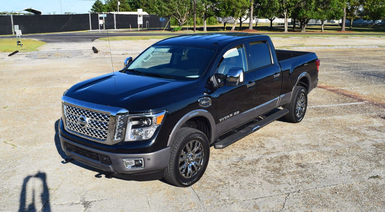 2016 Nissan TITAN XD Platinum Reserve 5 6L V8 - HD Road Test Review