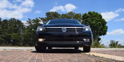 2016 VW Passat SEL 22