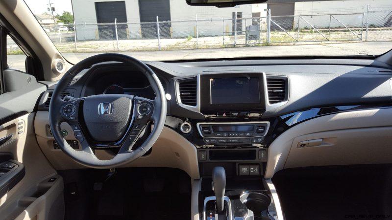 2017 Honda Ridgeline AWD RTL-E 36