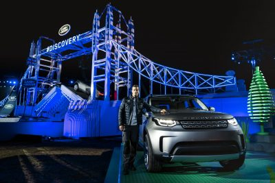 bear-grylls-with-the-new-land-rover-discovery-at-its-global-unveiling-at-packington-hall-solihull