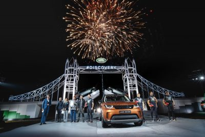 british-stars-assemble-for-the-reveal-of-the-new-land-rover-discovery-in-front-of-the-worlds-largest-lego-structure