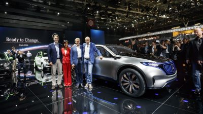 Mercedes-Benz und smart auf dem Autosalon Paris 2016. Weltpremiere des neuen Mercedes-Benz Showcars Generation EQ. Ola Källenius, Dr. Anette Winkler, Dr. Thomas Weber, Dr. Dieter Zetsche. ; Mercedes-Benz and smart at the Paris Auto Show 2016. World premiere of the new Showcar Generation EQ. Ola Källenius, Dr. Anette Winkler, Dr. Thomas Weber, Dr. Dieter Zetsche.;