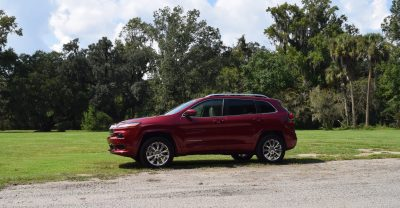 2016-jeep-cherokee-overland-4x4-39
