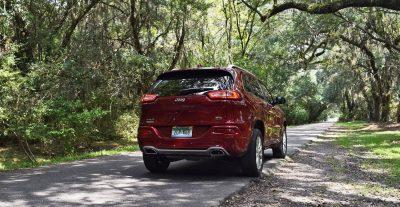 2016-jeep-cherokee-overland-4x4-6