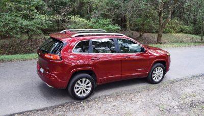 2016-jeep-cherokee-overland-4x4-9