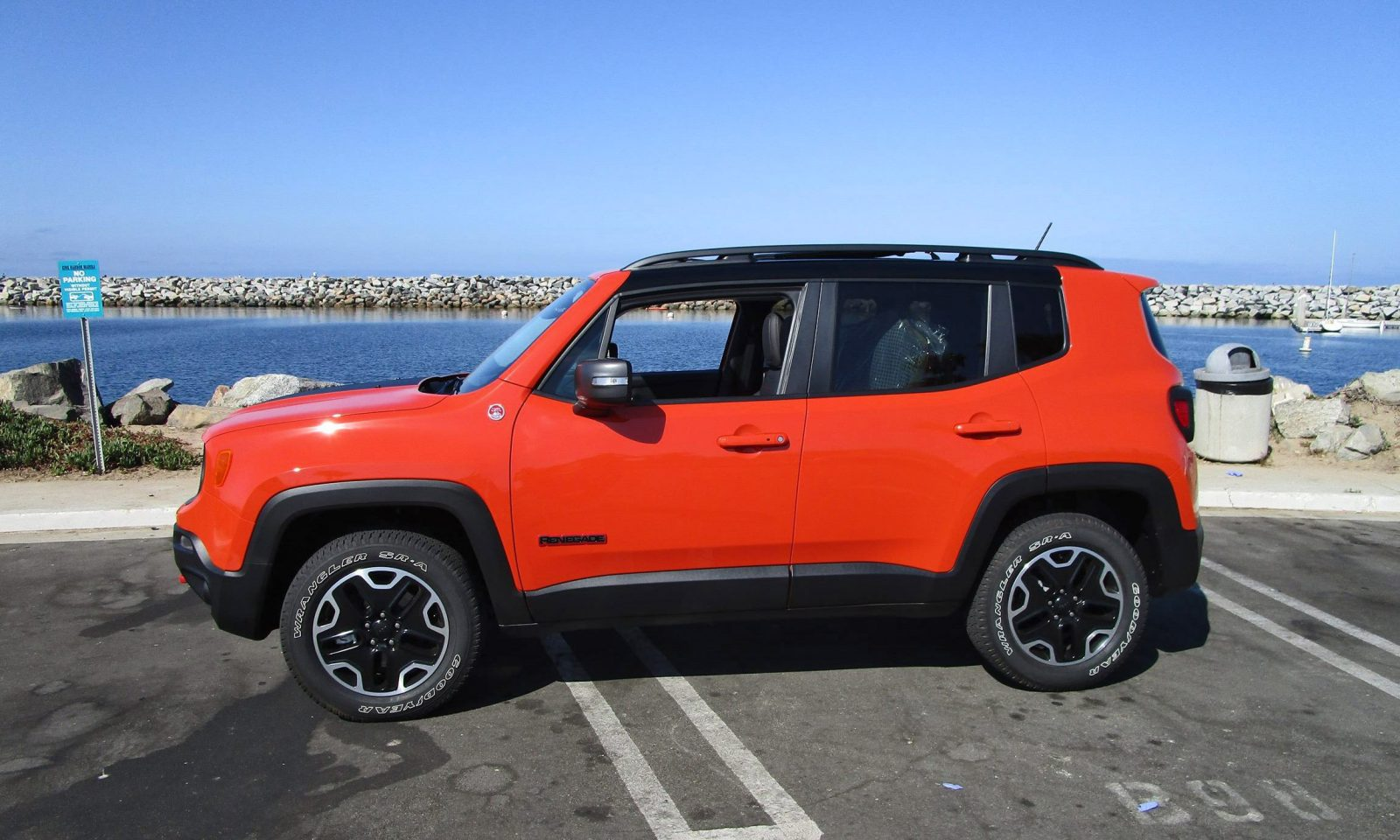 2016 jeep renegade trailhawk 4x4 road test review by ben lewis car revs. Black Bedroom Furniture Sets. Home Design Ideas