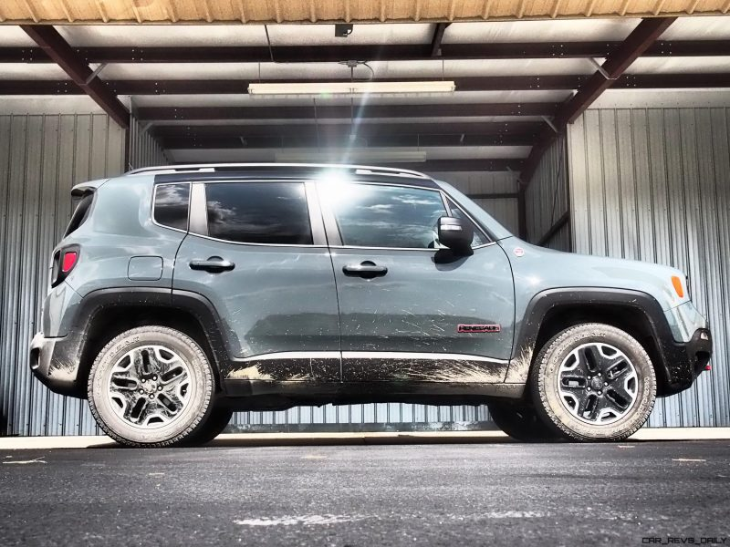 2016-jeep-renegade-trailhawk-review-21