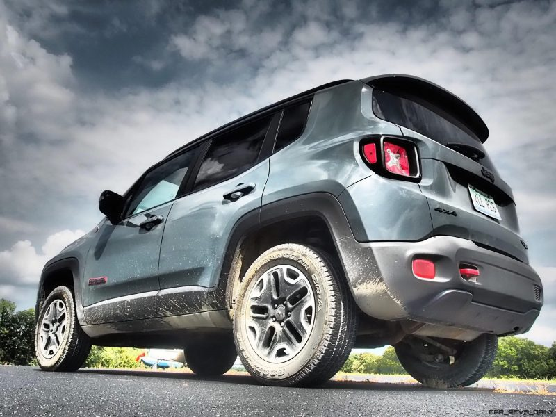 2016-jeep-renegade-trailhawk-review-24