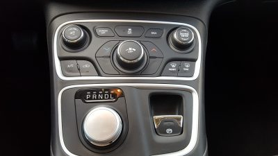 Chrysler 200 center stack and shifter