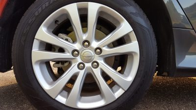 Chrysler 200 wheel shot