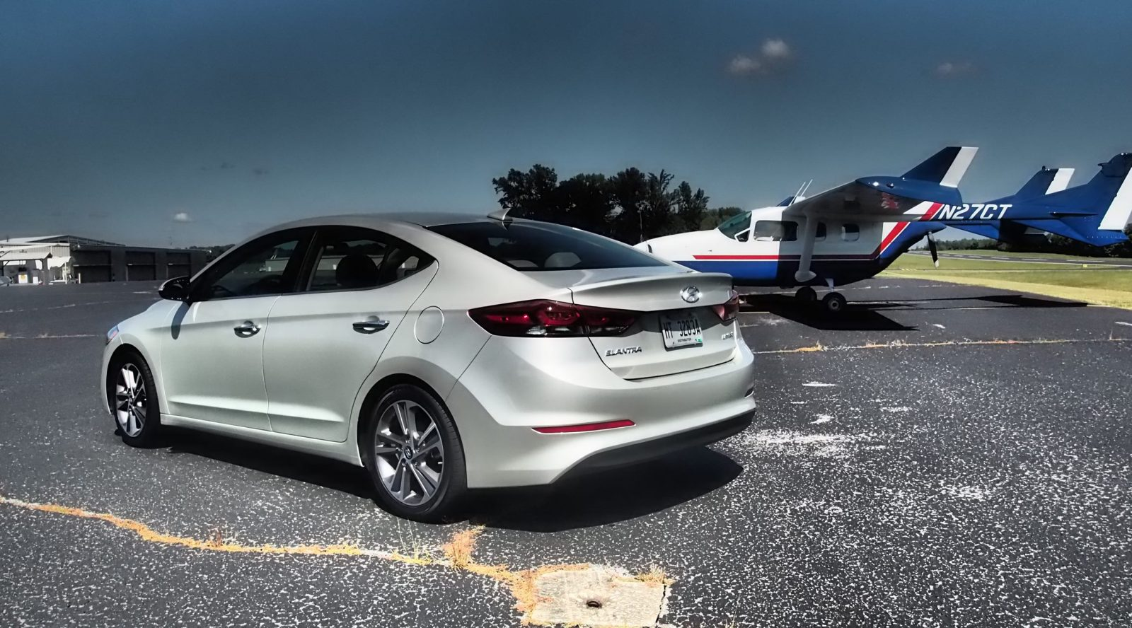 2017 hyundai elantra limited road test review by lyndon johnson car revs. Black Bedroom Furniture Sets. Home Design Ideas
