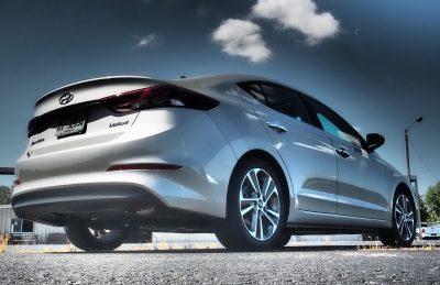 2017-hyundai-elantra-limited-road-test-review-by-lyndon-johnson-7