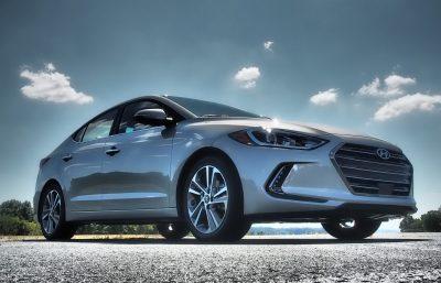 2017-hyundai-elantra-limited-road-test-review-by-lyndon-johnson-8