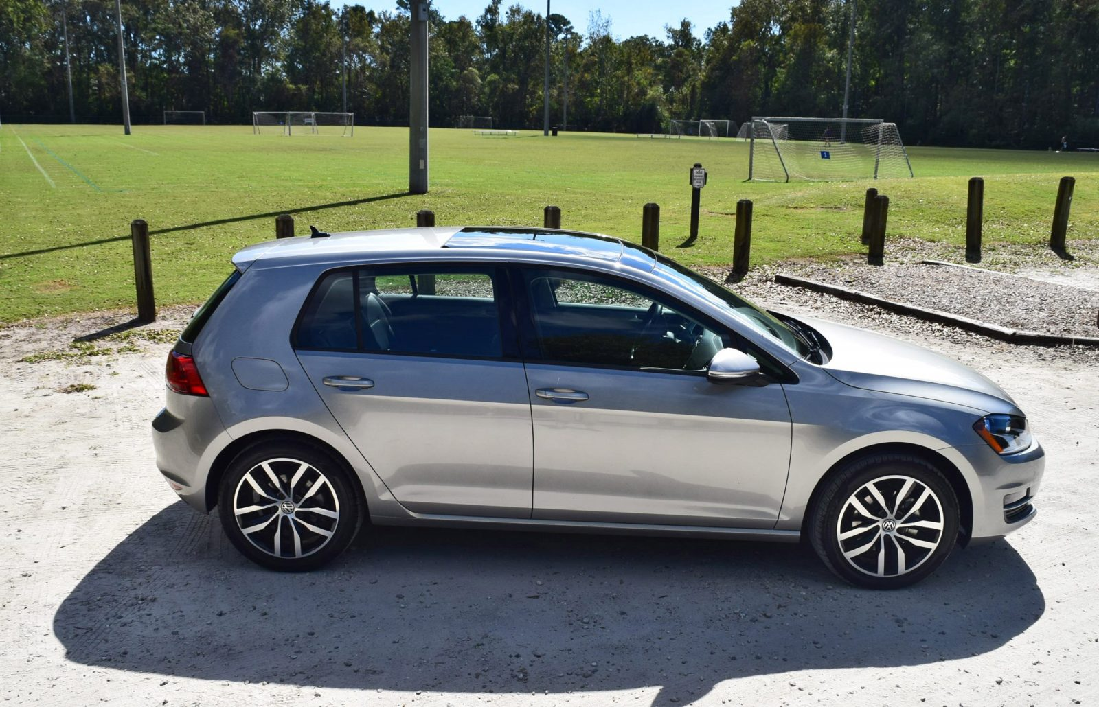 2016 vw golf tsi se hd road test review video. Black Bedroom Furniture Sets. Home Design Ideas