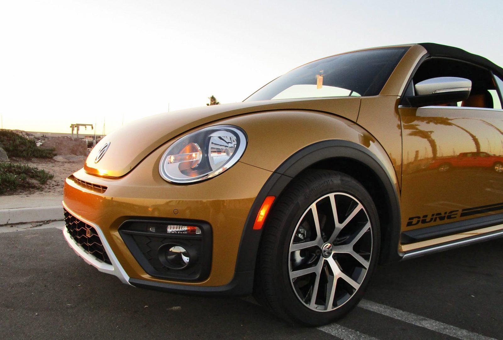 2017 vw beetle dune cabriolet road test review by ben. Black Bedroom Furniture Sets. Home Design Ideas
