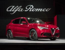 505HP, 3.9s 2018 Alfa Romeo STELVIO – High-Performance SUV Wows LA, World