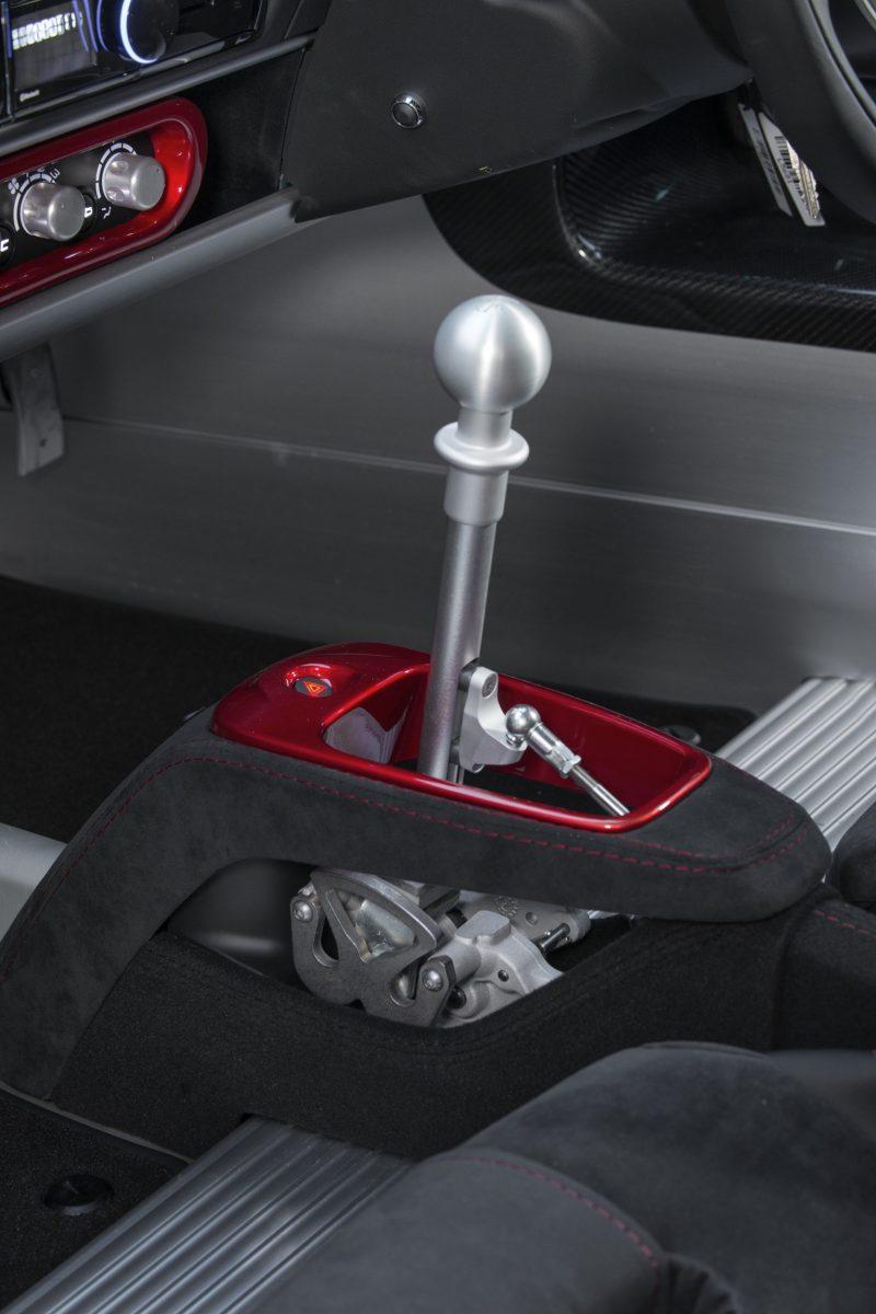exige-sport-380-gear-stick-image